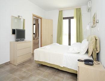 Miraluna Hotel Superior family room Karpathos