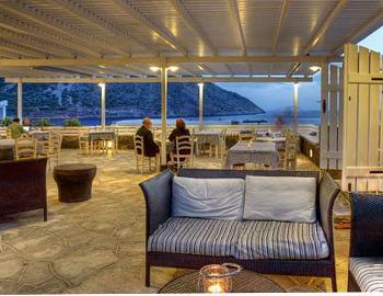 Delfini Apartments Restaurant Kamares