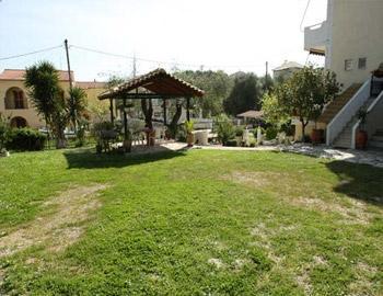 Margarita Holidays Garden Sivota