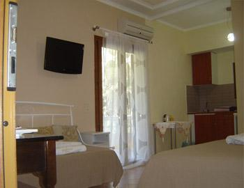 Golden Sun Two Spaced Apartment Parga